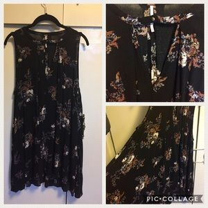FREE PEOPLE Flowy Black floral dress tunic